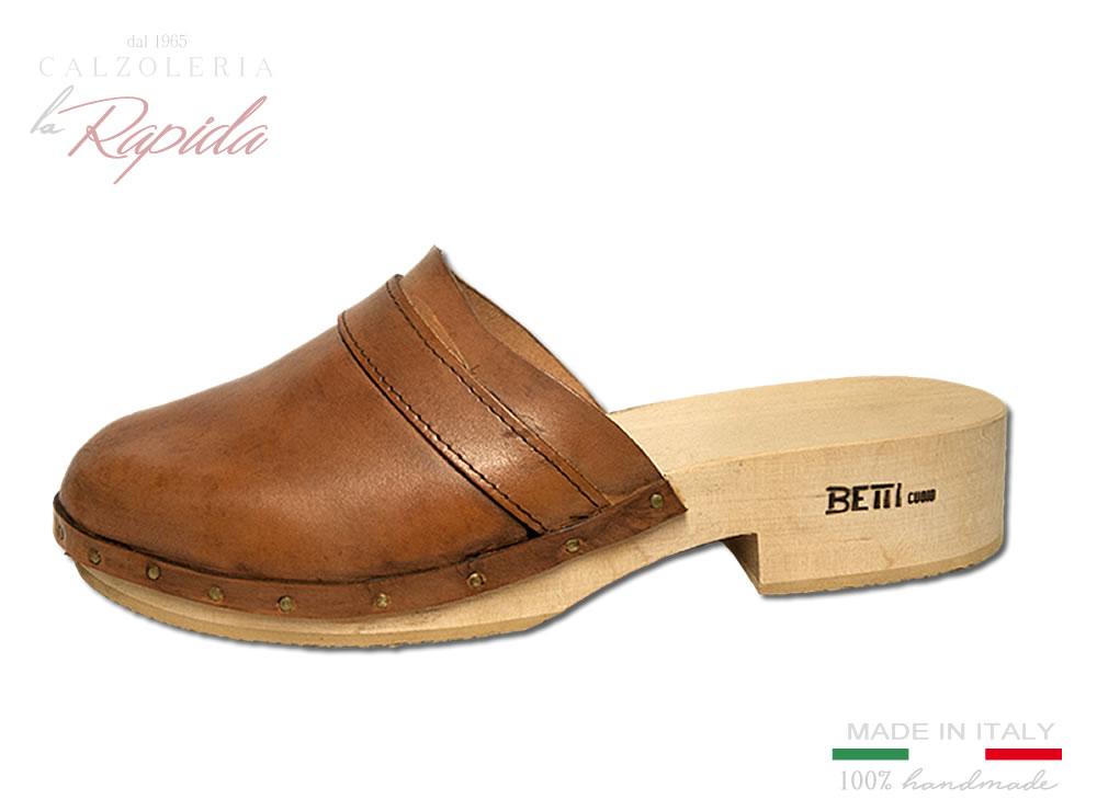 a25a4efa97 Zoccoli in legno chiusi | Sabot artigianali per uomo e donna